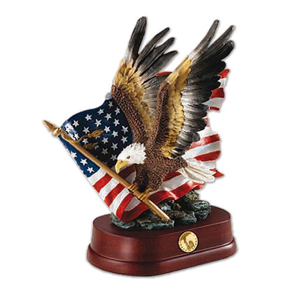 National Pride Bald Eagle Sculpture US_7361005_1