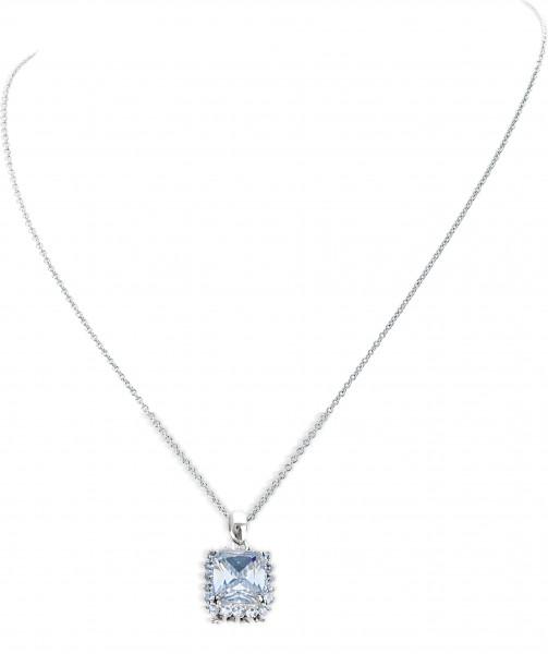 Duchess of Cambridge Crystal Pendant US_3009901_1